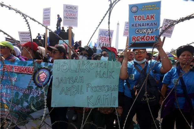 Makin Kuat, Desakan Buruh Agar Kenaikan Tarif Cukai Dibatalkan
