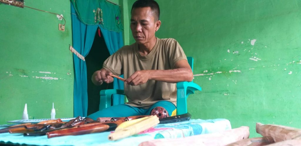 Andika, Pembuat Pipa Rokok di Lampung