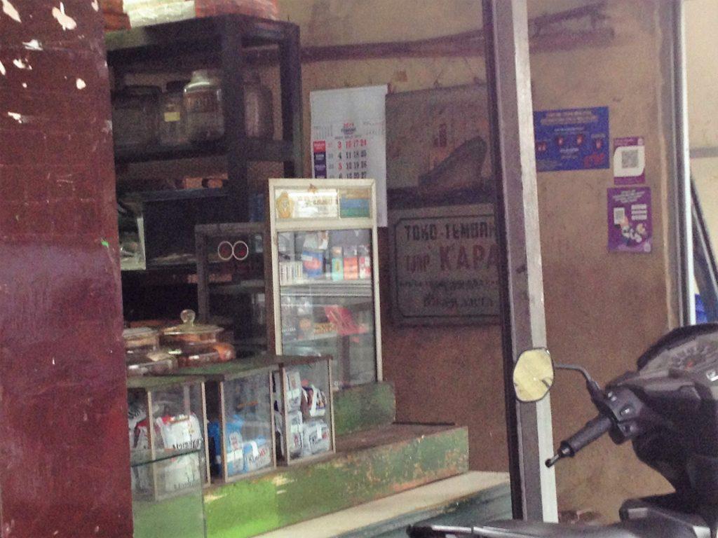 6 Penjual Tembakau di Bandung
