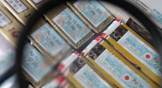Cukai Naik, Pedagang dan Pembeli Rokok Menjerit