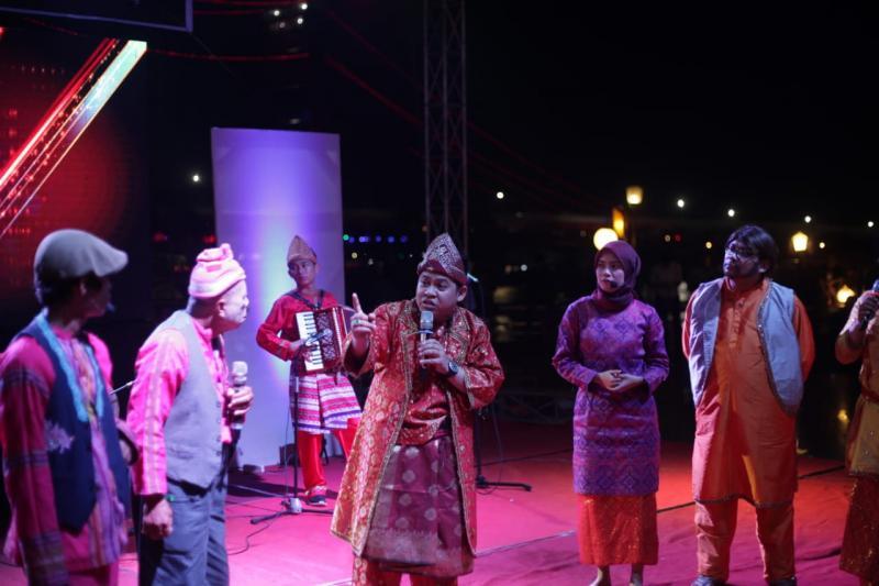 Sosialisasikan Dana Desa dengan Teater Dulmuluk